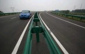 波形梁钢护栏的简介、效果原理及分类和长处