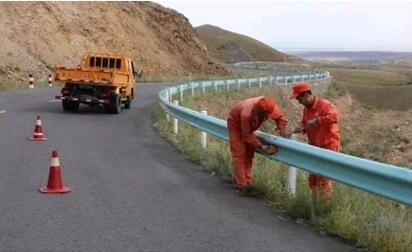 四川波形护栏板更新工程
